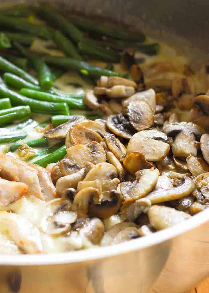 One Skillet Chicken with Green Beans and Mushrooms