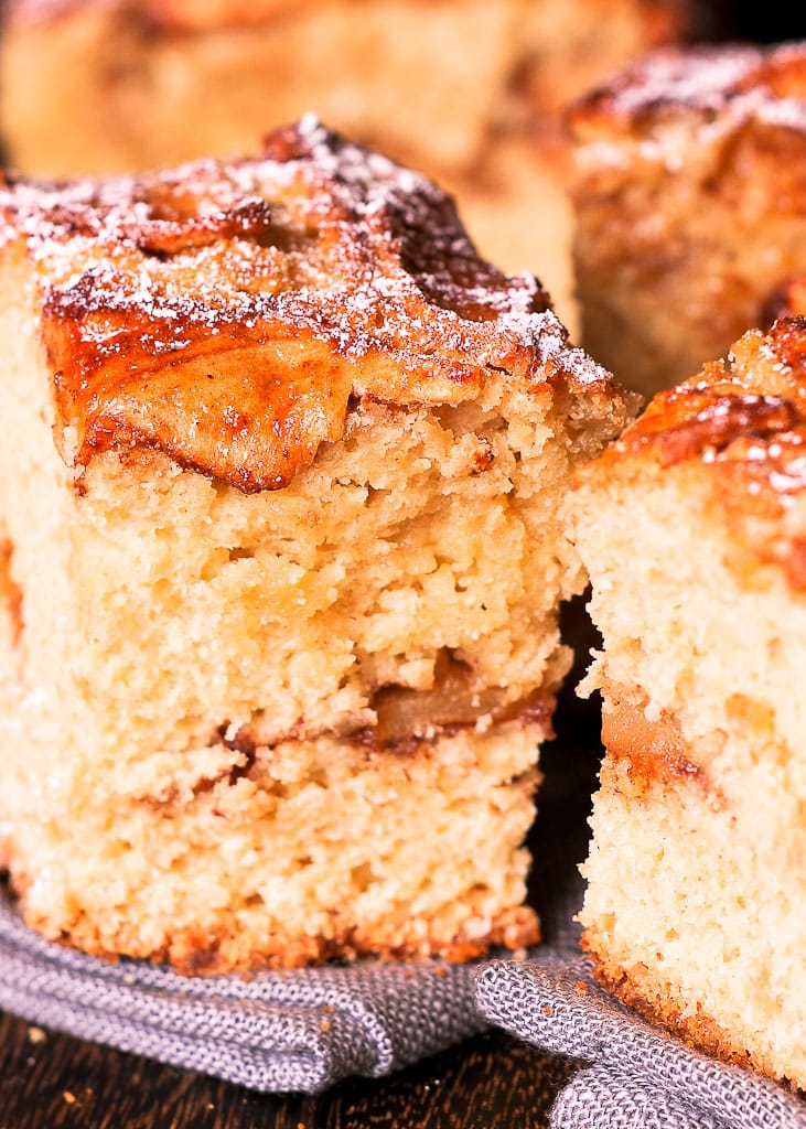 Easy Apple Cake What S In The Pan