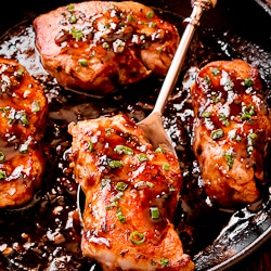 Honey Balsamic Pork Chops with Rosemary and Thyme