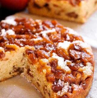 Instant Pot Apple Cinnamon Cake