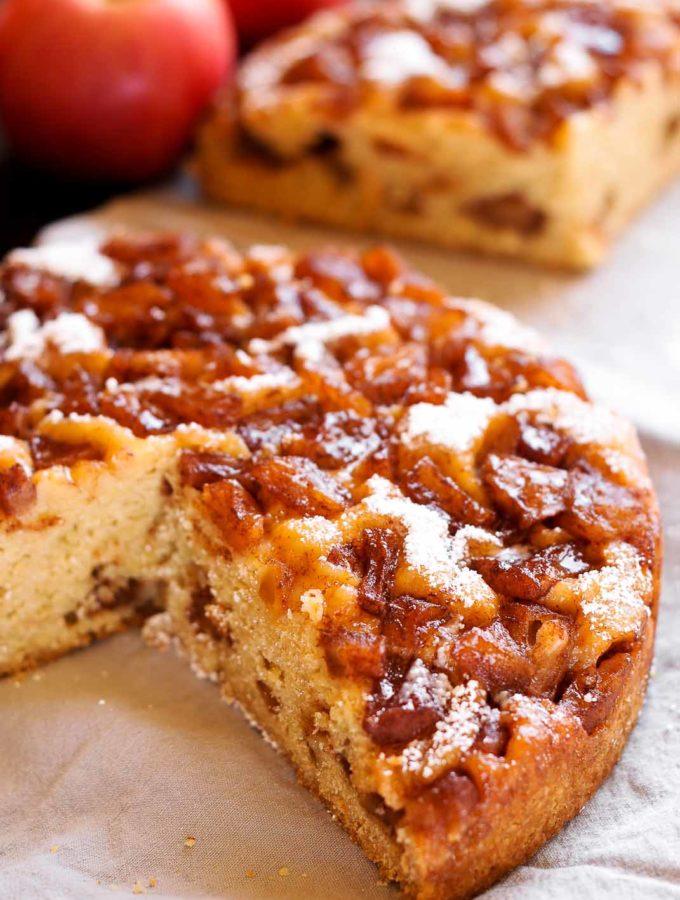 Instant Pot Apple Cinnamon Cake