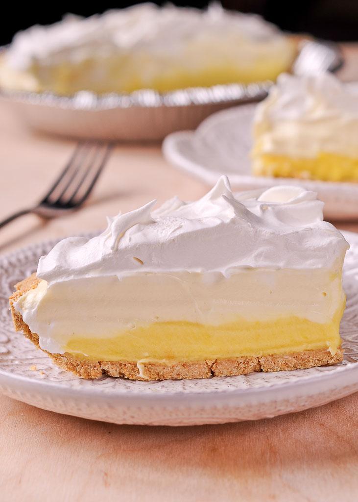 Easy No Bake Lemon Pudding Cream Pie