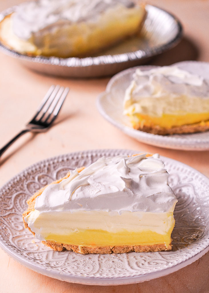 Easy No Bake Lemon Cream Pie