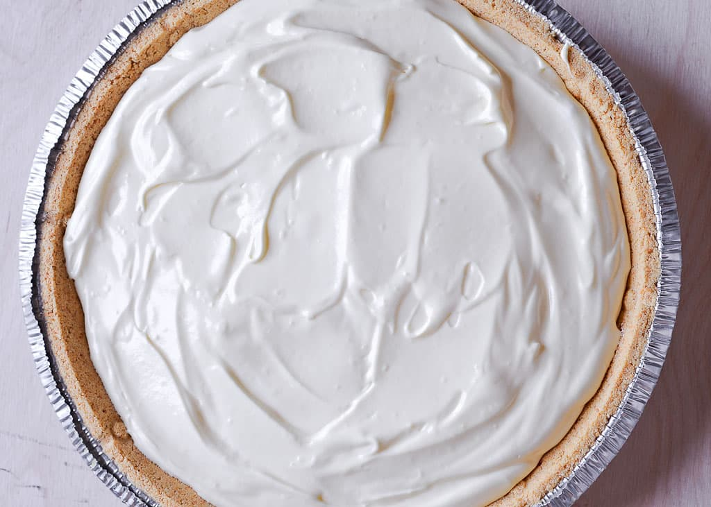 Easy No Bake Lemon Pudding Cream Pie