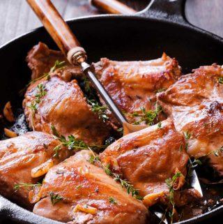 How to cook rabbit in wine sauce