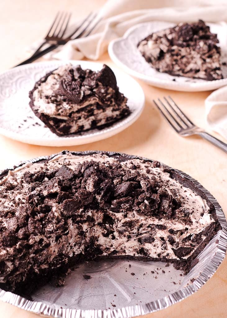 No Bake Oreo Cheesecake Cream Pie