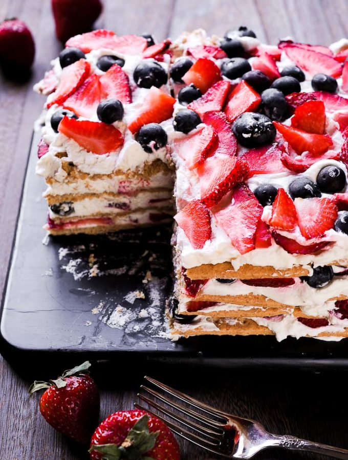 No Bake Strawberry Cream Cake with Graham Crackers
