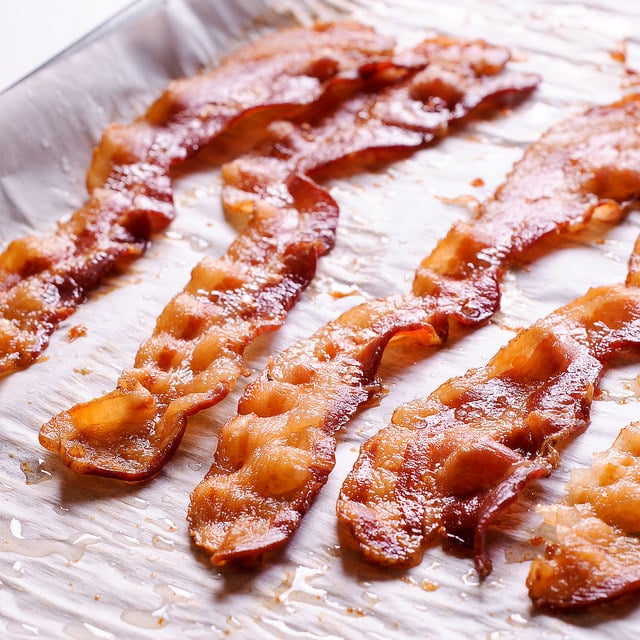 Easiest way to bake bacon in the oven