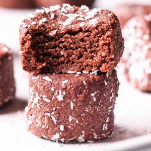 Raw Chocolate Coconut Macaroon