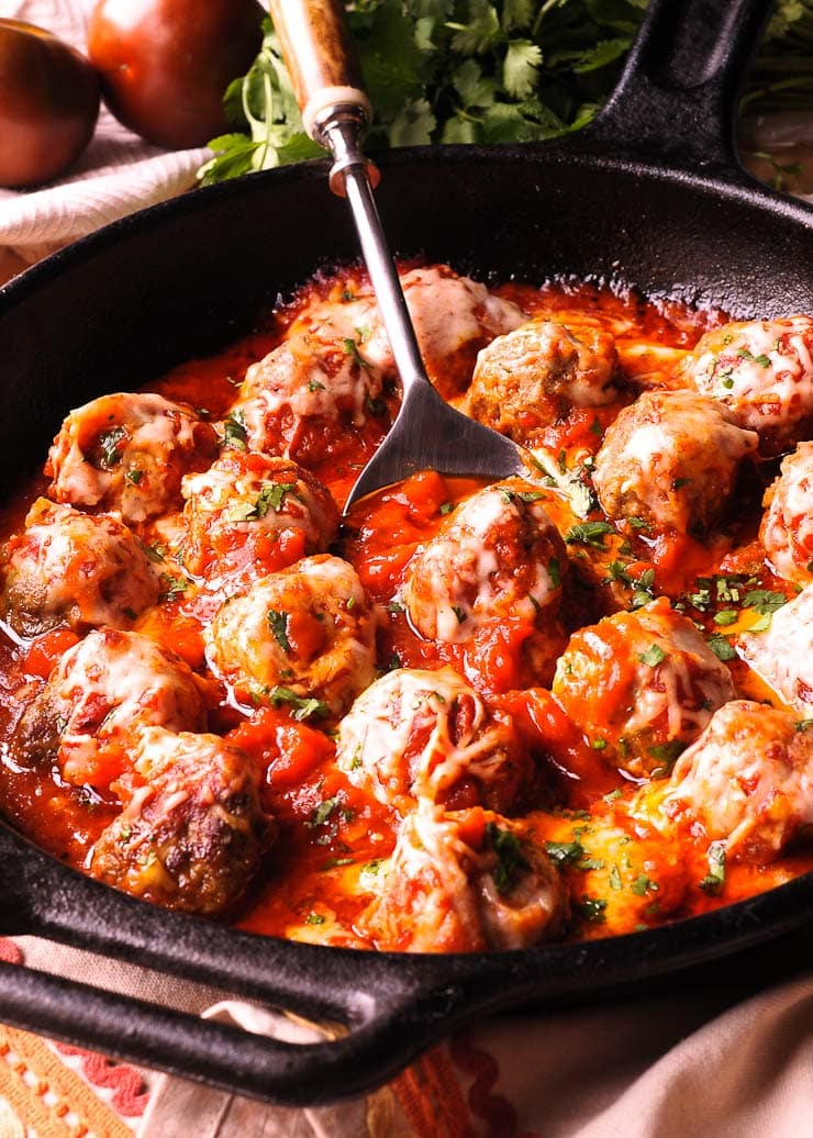 Flavorful Marinara sauce with Mozzarella and juicy meatballs make this easy meatball recipe irresistible!