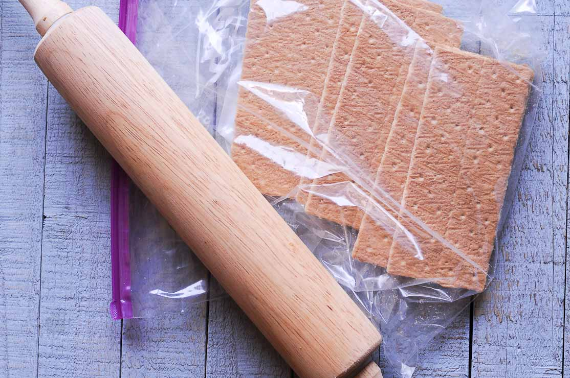 graham crackers and wooden roller