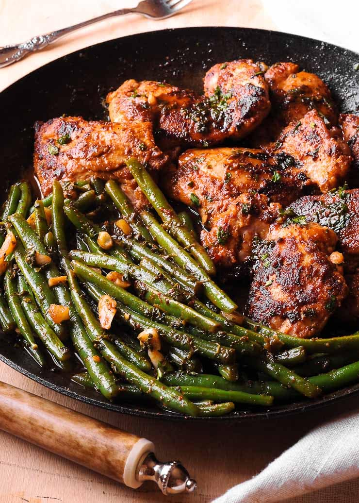 Chicken Thighs with Lemon Garlic Green Beans