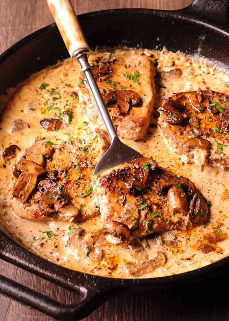 Pork Chops in Garlic Mushroom Sauce